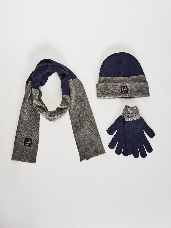 комплект шапок шарфов перчаток LCWaikiki