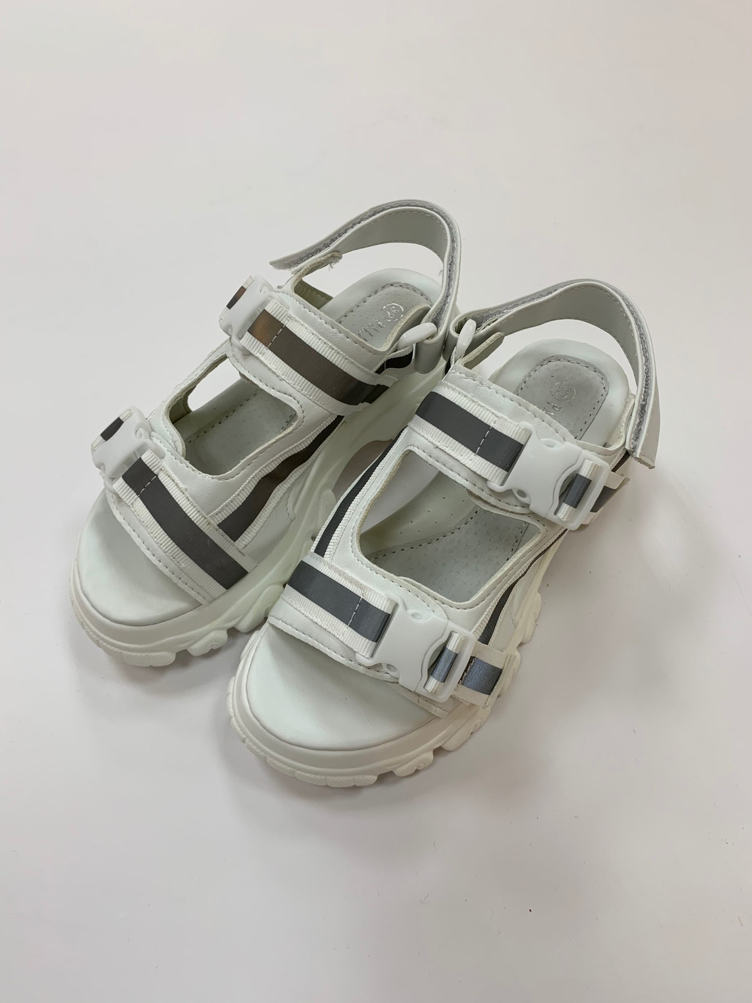 сандалии GOGC