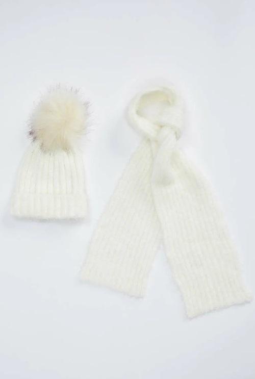 комплект шапок шарфов DeFacto
