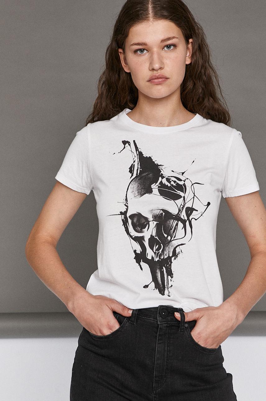футболка Medicine